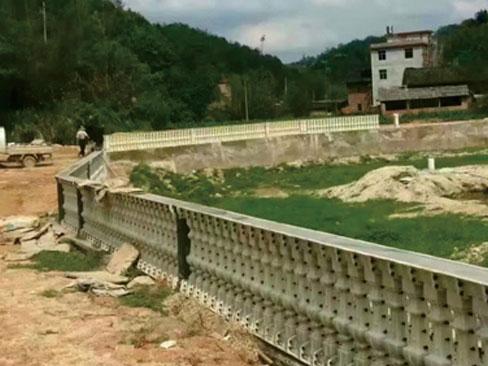 围栏模具安装